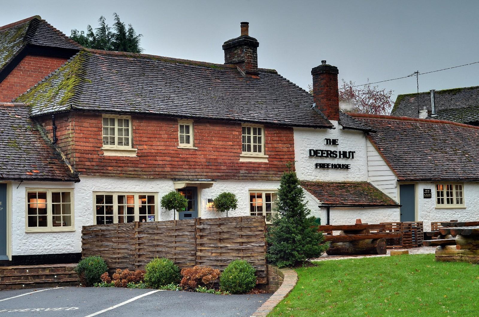 The Deers Hut Pub   Home